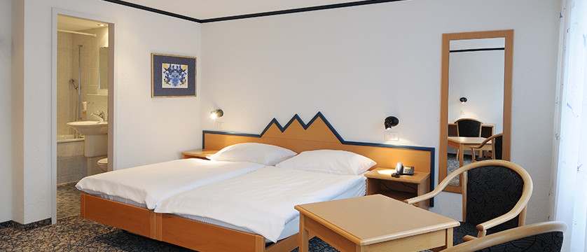 Hotel Oberland, Interlaken, Bernese Oberland, Switzerland - twin room with bathroom.jpg